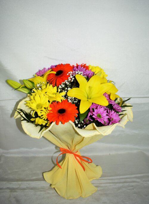 Ramo de flores variadas 24